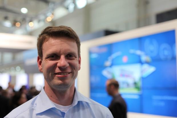 Microsoft-Mitarbeiter Gunter Logemann versucht, Kinect für Windows in Deutschland bekanntzumachen. (Bild: Christian Klaß/Golem.de)