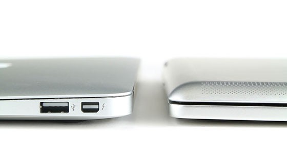 Brydge (r.) im Vergleich zum Macbook Air (Bild: Brad Leong)