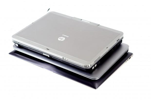 Dells XPS 13 (Mitte) ist kleiner als das Asus Zenbook UX31 (unten) mit gleich großem Display. (Bilder: Andreas Sebayang/Golem.de)