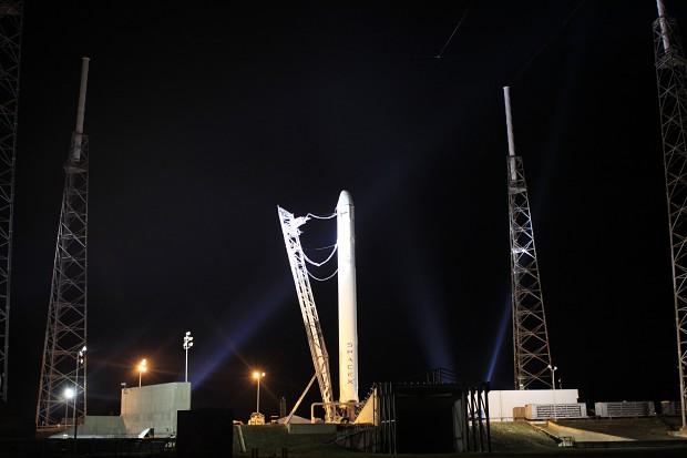 Technische Probleme verhindern ersten privaten Flug zur ISS.
