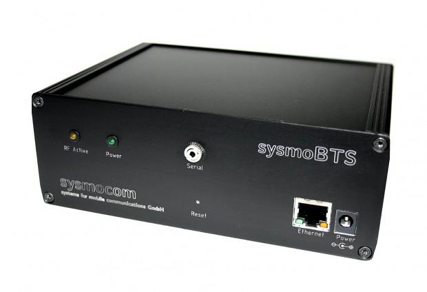 Die GSM-Basisstation SysmoBTS von Sysmocom läuft mit freier Software.