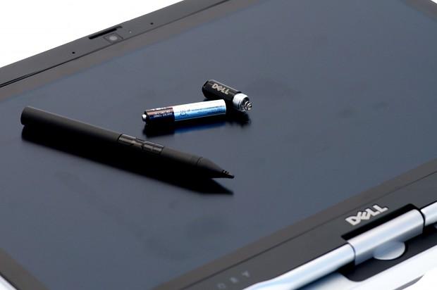 Der Stift von N-Trig braucht eine AAAA-Zelle.