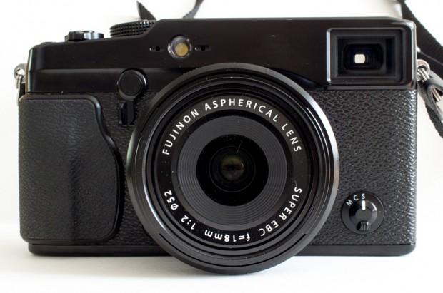 Fujifilm Finepix X-Pro1 mit dem XF18mm F2.0 R (Bild: Andreas Donath)