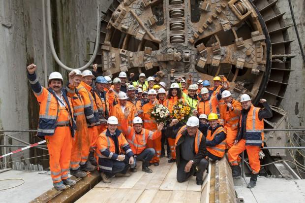 Geschafft: Am 14. Juni 2012 schafft die Tunnelbohrmaschine Ameli den letzten Durchbruch. (Bild: Xfel)