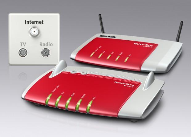 Fritzbox 6340 Cable vor der besser ausgestatteten 6360 Cable (Bild: AVM)