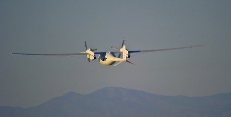 Die Drohne Phantom Eye bei ihrem Erstflug am 1. Juni 2012 (Foto: Boeing)