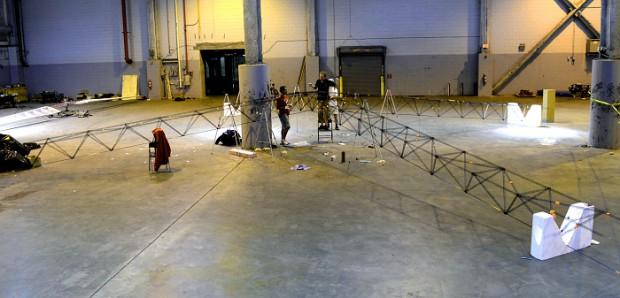 Beim Bau des Gerüsts - jeder Arm ist über 18 Meter lang. (Foto: University of Maryland)