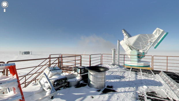 Das South Pole Telescope (SPT) an der Amundsen-Scott-Südpolstation (Quelle: Google Street View / Screenshot: Golem.de)