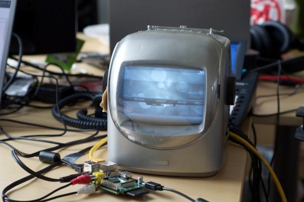 Raspberry Pi an einem Röhrenmonitor (Fotos: Andreas Sebayang/Golem.de)