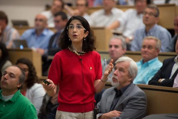 Atlas-Sprecherin-Fabiola Gianotti: 5 Sigma im Bereich von 126,5 GeV (Foto: Cern)