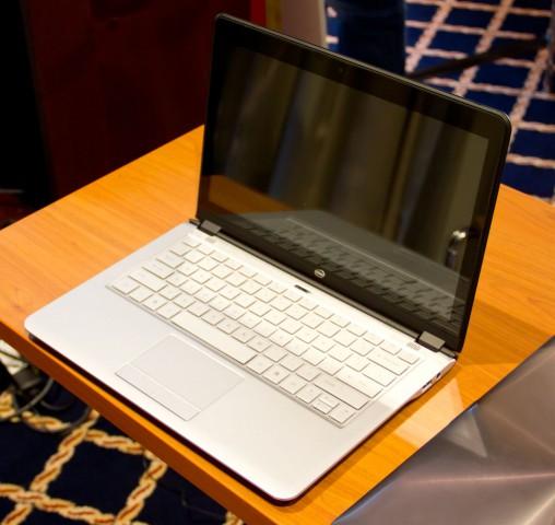 Strobel zeigte bei der Ifa-Preview-Veranstaltung einen Ultrabook-Prototyp. (Foto: Werner Pluta/Golem.de)