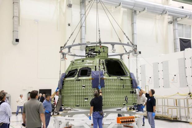 Noch nackt: Das erste Raumfahrzeug vom Typ Orion MPCV ist im Kennedy Space Center eingetroffen. (Foto: Nasa)