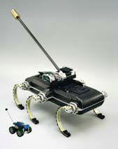 XRL mit Schwanz - daneben im Größenvergleich der Tailbot (Bild: UPenn/UC Berkeley)