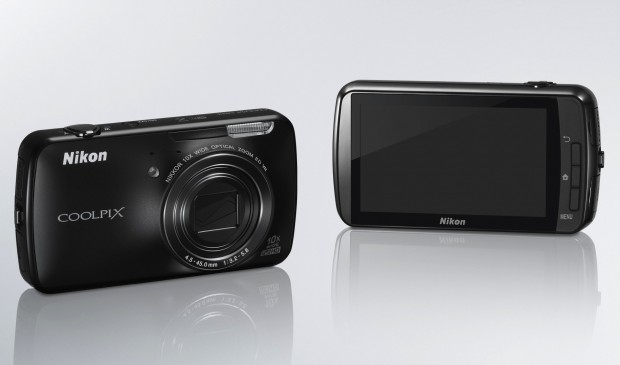 Nikon Coolpix S800c (Bild: Nikon)