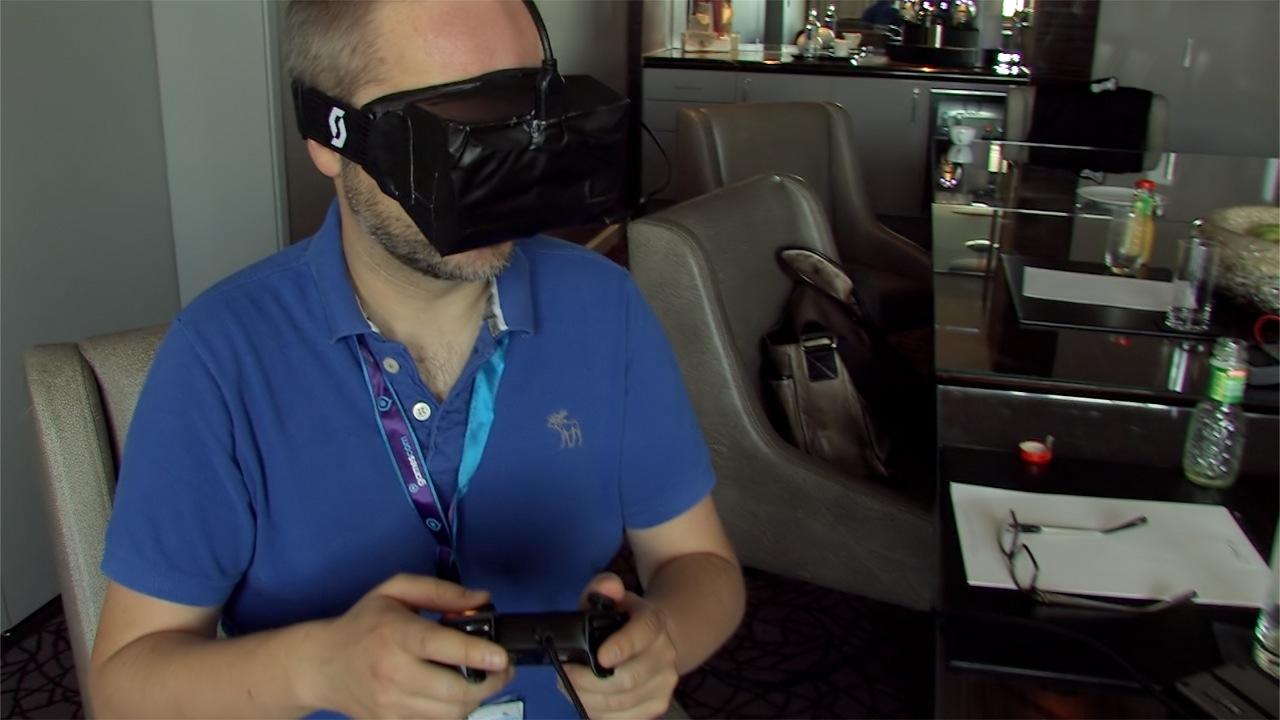 Oculus Rift ausprobiert: Das Holodeck am Rhein - Golem.de-Redakteur Peter Steinlechner probiert den aktuellen Developer-Prototyp der Oculus Rift. (Foto: dp)