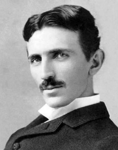 Der viel zu lange unbeachtete Erfinder Nikola Tesla - mit 34 Jahren, circa 1890 (Foto: Napoleon Sarony/Wikipedia/gemeinfrei)