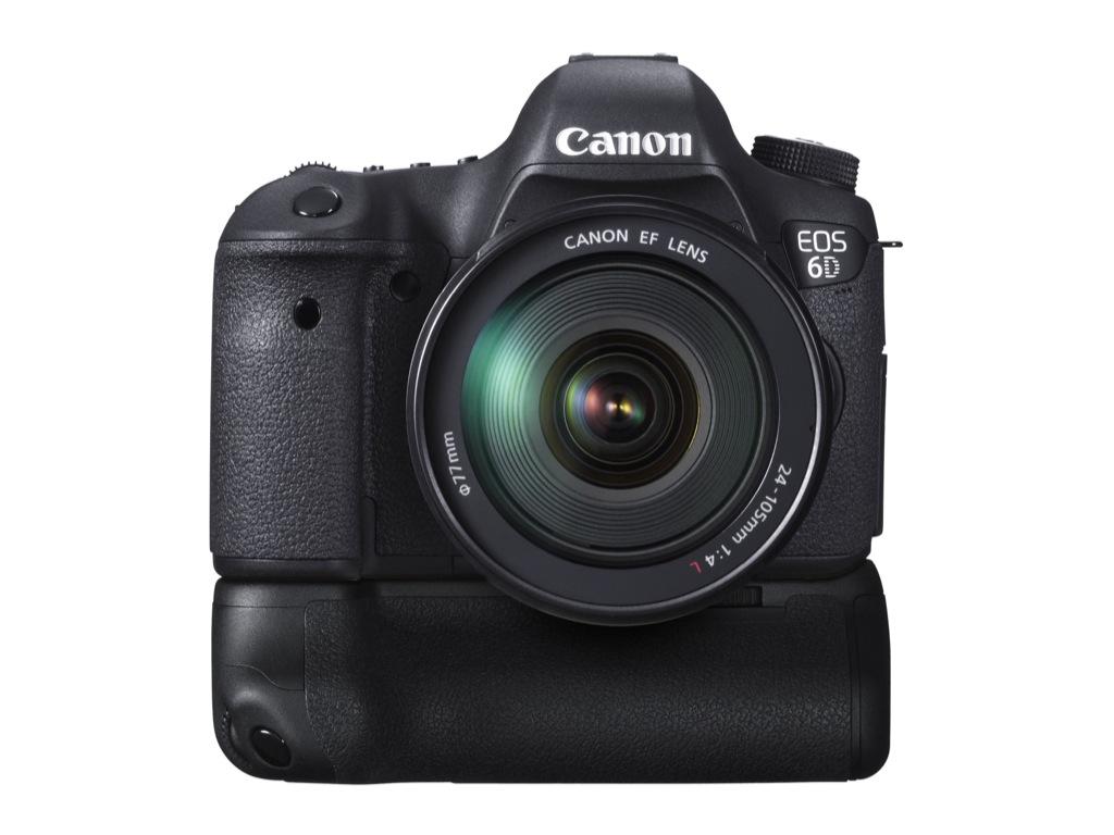 EOS 6D: Canon mit kleiner und preiswerter Vollformatkamera - Canon EOS 6D mit Batteriegriff  (Bild: Canon)