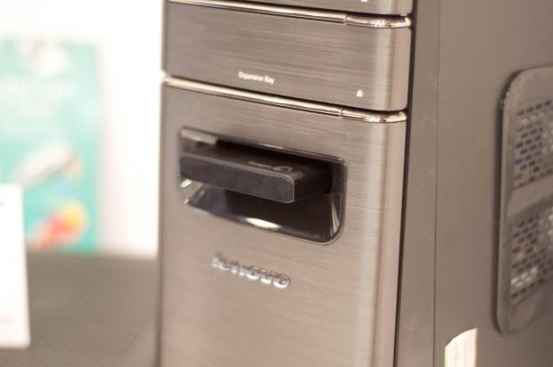 Lenovo Ideacentre mit einem Schacht für USM-Festplatten