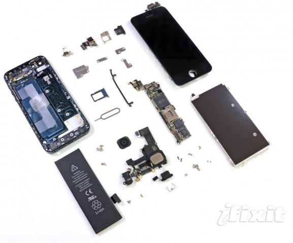 Das iPhone 5 zerlegt (Bilder: iFixit/Reuters). Zuvor...