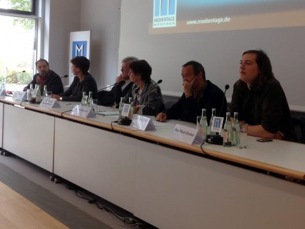 Michael Praetorius, Isabella Gold, Bedford-Strohm, Moderatorin Verena Weigand, Thomas Krüger und Paul Meyer-Dunker auf den Medientagen München (Bild: Golem.de)