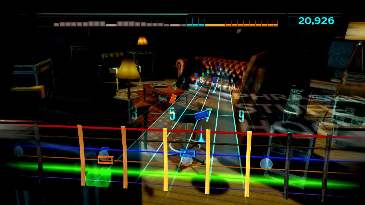 Test Rocksmith: Gitarrenlehrer Gnadenlos - Jede Saite an Gitarre oder Bass bekommt eine eigene Farbe zugeordnet.
