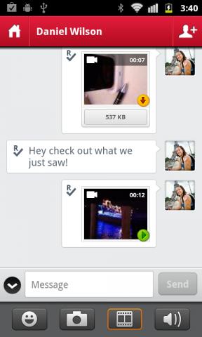 Touch hieß vorher Pingchat. Mit dem Messenger können Textnachrichten und genau wie bei Whatsapp auch Audio- und Video-Files verschickt werden. (Bildquelle: touch.com)