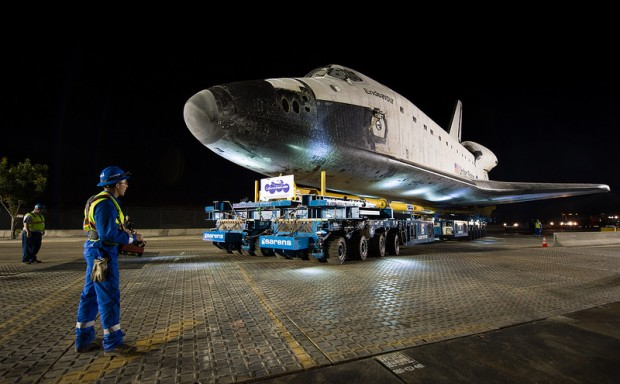 Der Transport startete am frühen Freitagmorgen (Ortszeit) auf dem Flughafen von Los Angeles. (Foto: Nasa)