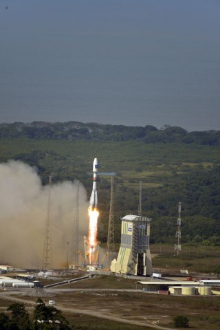 Start der Galileo-Satelliten am 12. Oktober 2012 an Bord einer Sojus-Trägerakete (Foto: S. Corvaja/Esa)
