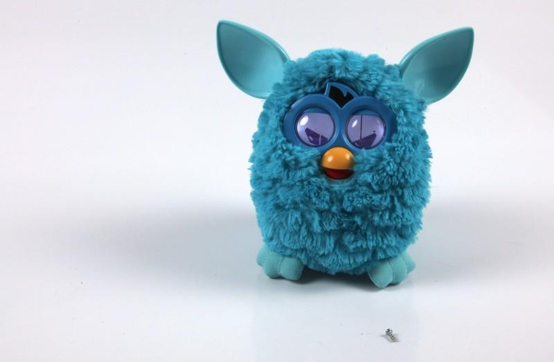 Der neue Furby im Test: Plappermaul ohne Ausschalter - Neuer Furby - wieder zusammengesetzt und nicht mehr ganz gesund