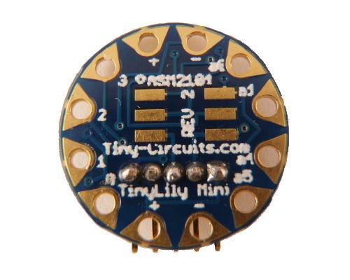 Tinyduino und Tinylily: Zwei starke Arduino-kompatible Zwerge - Tinylily - Arduino-kompatibler Miniprozessor mit 14 mm Platinendurchmesser (Bild: Tinycircuits)
