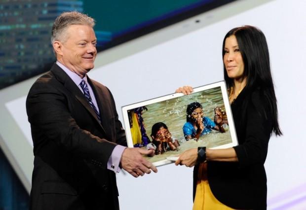 Panasonic zeigt auf der CES ein 20-Zoll-Tablet. (Bild: David Becker/Getty Images News)