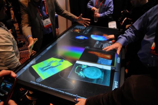 Touch-Tisch von 3M auf der CES 2013 (Foto: Nico Ernst/Golem.de)