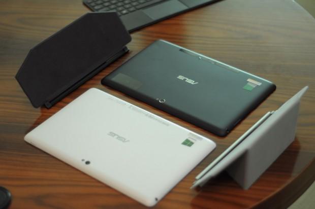 Asus neues Tablet in zwei Farben und die optionalen Smartcover (Fotos: Andreas Sebayang/Golem.de)