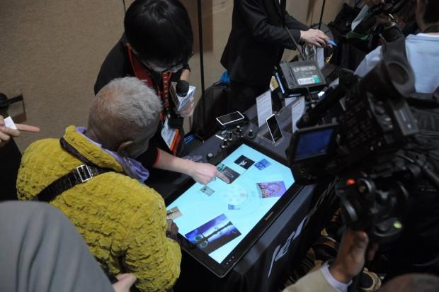 Dichtes Gedränge um Lenovos Table-PC (Bilder: Andreas Sebayang/Golem.de)