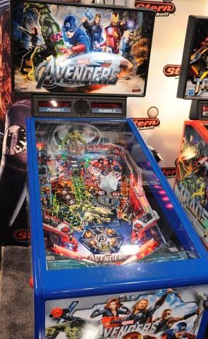 Ein Pinball-Automat der Firma Stern (Bild: Nico Ernst/Golem.de), Pinball