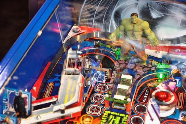 Sterns neuer Heimflipper 'Avengers' (Foto: Nico Ernst/Golem.de)