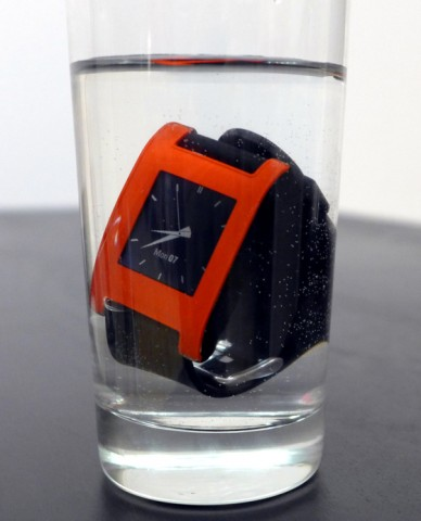 Pebble Smartwatch - wasserdicht (Bild: Pebble Technology)