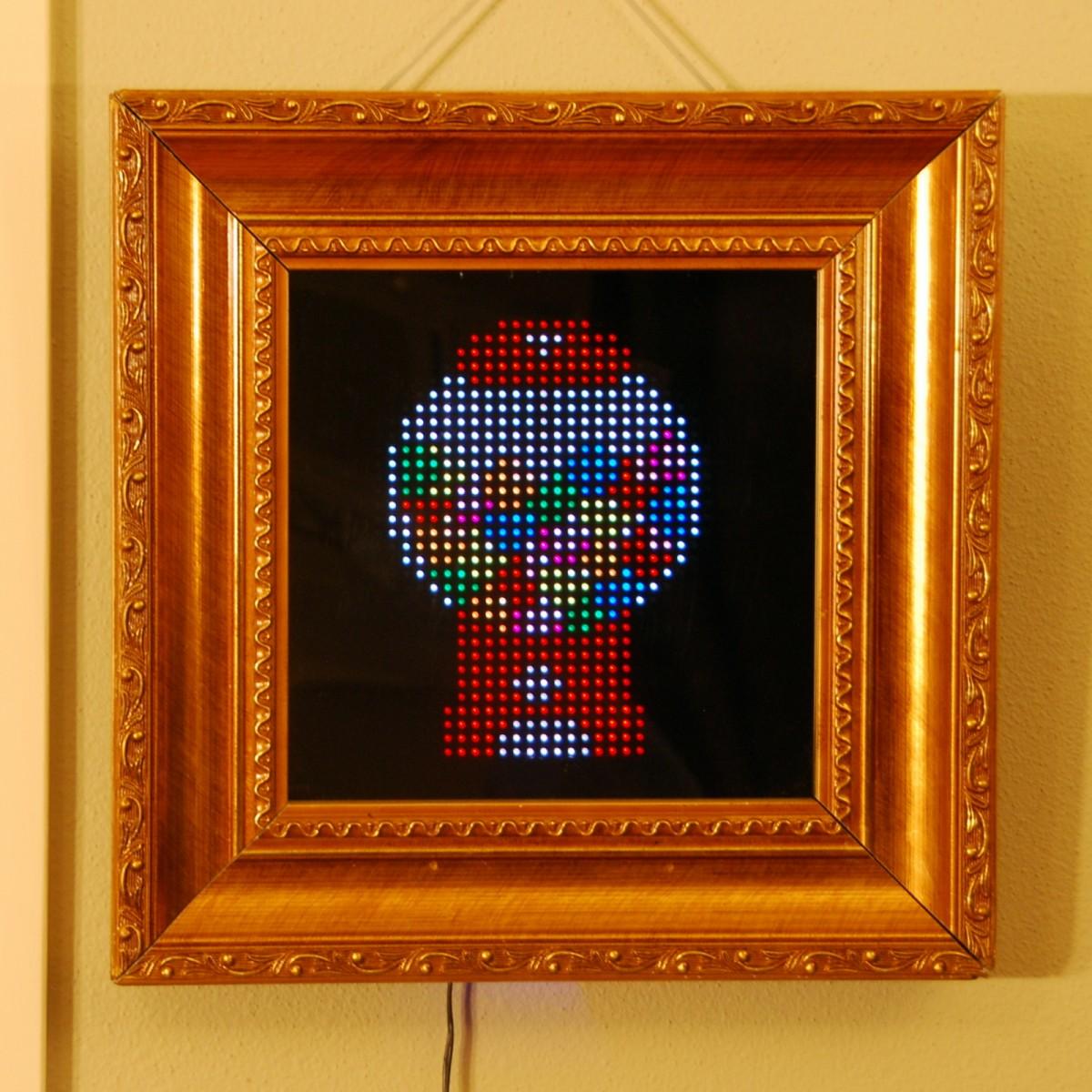 Pixel: Bewegte 8-Bit-Kunst zum An-die-Wand-Hängen - Pixel - 32-x-32-LEDs bringen pixelige Grafiken und Animationen zur Geltung. (Bild: Al Linke)