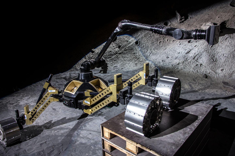 Roboter: Crex kraxelt im Krater -