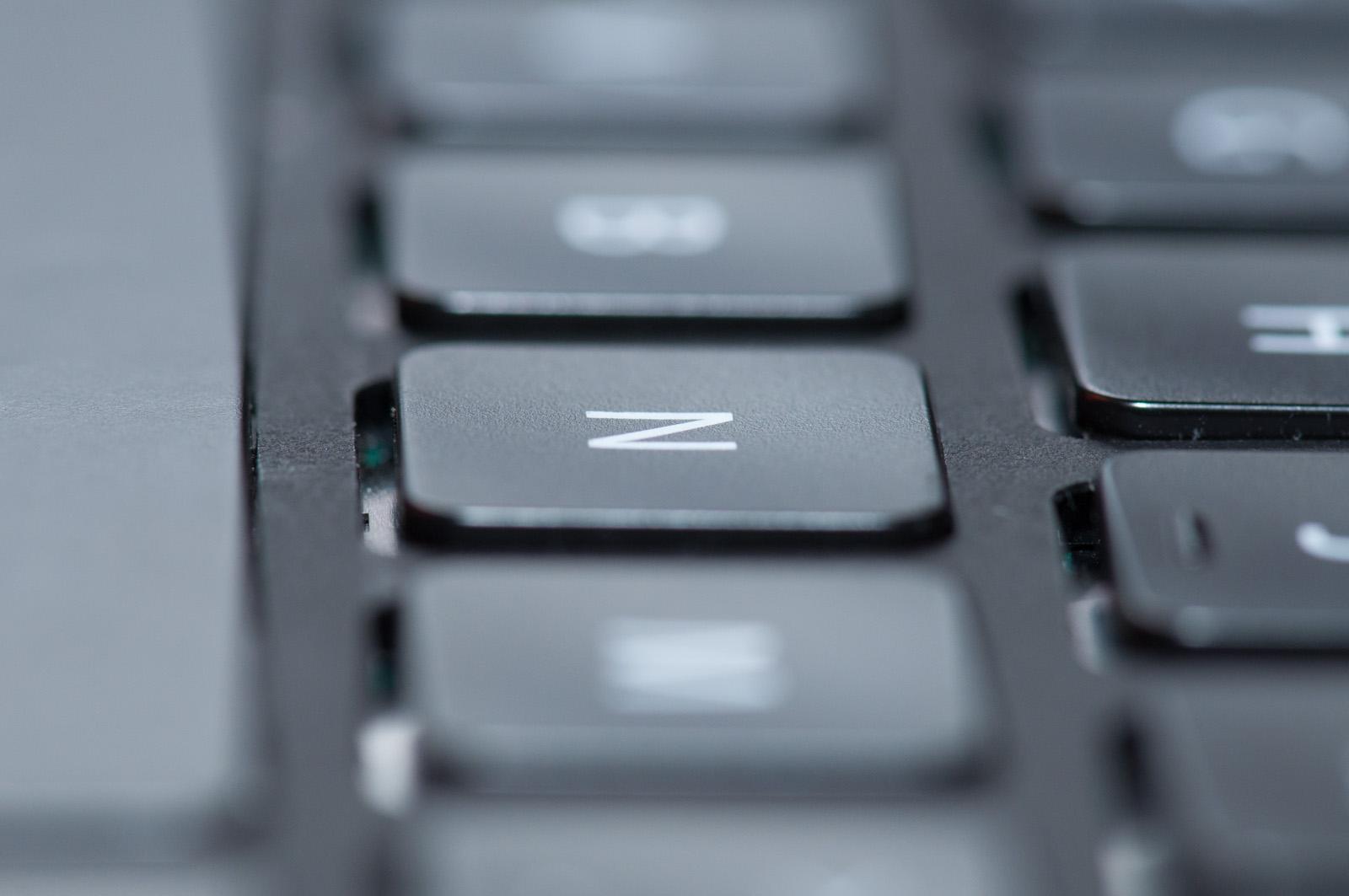 Synaptics Thintouch ausprobiert: Tastatur mit sich wegduckenden Tasten - Normalerweise bewegen sich Tasten auf und ab. (Foto: Andreas Sebayang/Golem.de)