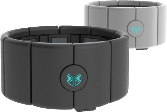 Das Armband Myo wird am Unterarm getragen. (Bild: Thalmic Labs)