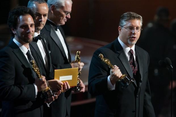 Guillaume Rocheron, Erik-Jan De Boer, Donald R. Elliott und Bill Westenhofer nach der Annahme des Oscars für die visuellen Effekte von Life of Pi (Bild: Darren Decker/A.M.P.A.S.)