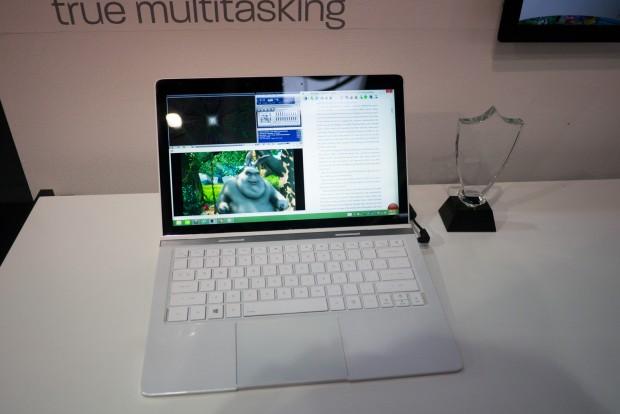 AMDs Quad-Core-Tablet mit Temash SoC und Turbodock (Foto: Andreas Sebayang/Golem.de)