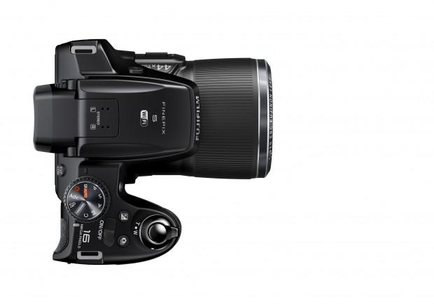 Fujifilm Finepix S8400W (Bild: Fujifilm)