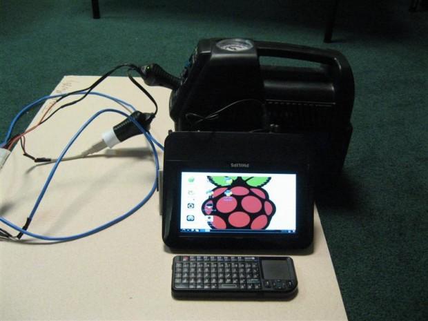 Mobiles Raspberry Pi mit Akku und Display (Bild: Old_Alex/Indestructibles/CC By-NC-SA 2.5)