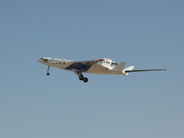 X-48C beim Start zu einem Testflug (Foto: Carla Thomas/Nasa)