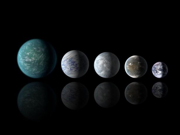 Die neu entdeckten Exoplaneten im Größenvergleich mit der Erde: Kepler-22b, Kepler-69c, Kepler-62e, Kepler-62f und die Erde (von links nach rechts) (Bild: NASA Ames/JPL-Caltech)