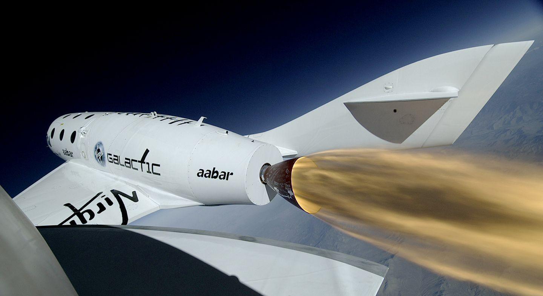 Virgin Galactic: Spaceship Two fliegt mit Raketenantrieb -