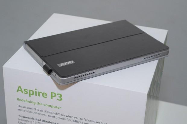 Auf den ersten Blick sieht das Aspire P3 nicht wie ein Notebook aus. An der Seite ist eine Halterung für einen Digitizer-Stift. (Foto: Andreas Sebayang/Golem.de)