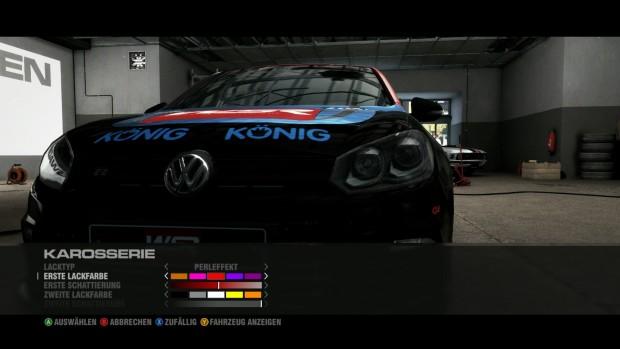 Im Saisonmodus wird das Auto mit Sponsoren zugeklebt.